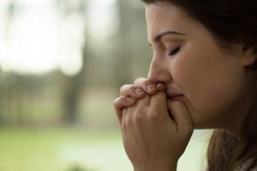 Risultati immagini per сумна жінка