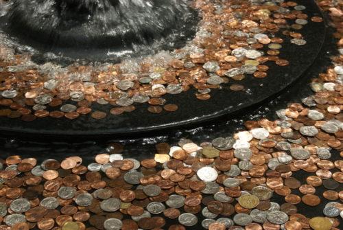 Прикмети на щастя: куди кинути монетку, щоб бажання збулося