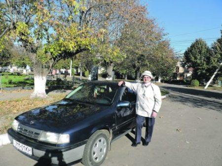 85-річна бабця за кермом іномарки. І це вам не анекдот