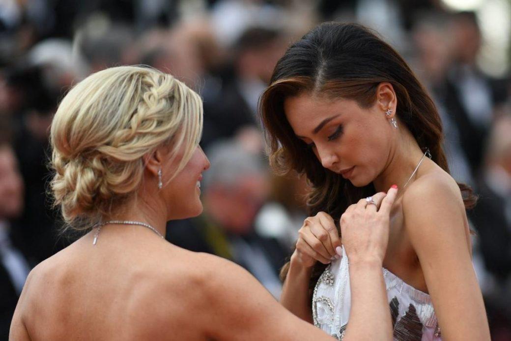 Відома акторка осоромилась на Канському фестивалі загубивши сукню (фото)