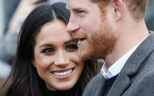 На весільних фото Гаррі і Меган помітили кумедний недолік (фото)