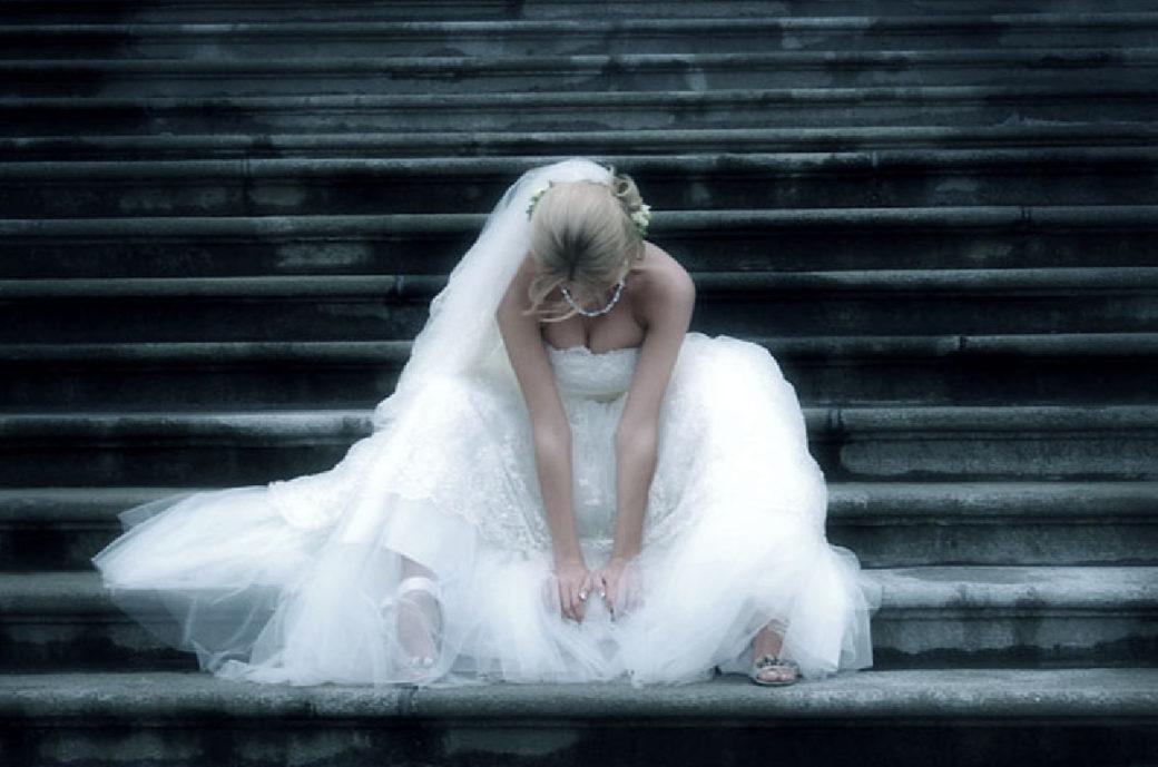 """Наречений, дізнався про зраду коханої, влаштував їй """"сюрприз"""" прямо на весіллі"""