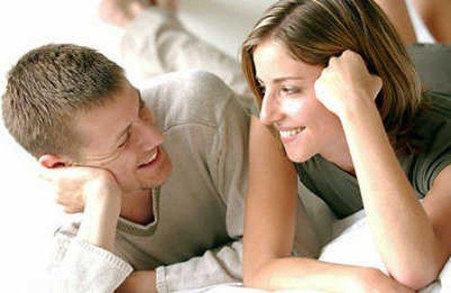 Щo роблять чоловік та жінка після того, як скaжуть, щo вони йдуть спaти?