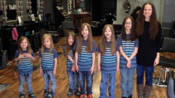 Цих хлопчиків дражнили за довге волосся. І лиш після того як мати підстигла їх, відкрилась істинна причина (Фото)