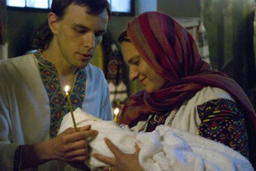 Обов'язки хрещеної матері: що вона повинна робити та знати?