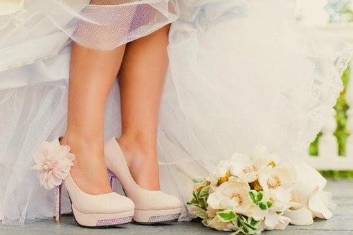 Чому нареченій не можна взувати босоніжки, а весільні туфлі мають бути поношені?