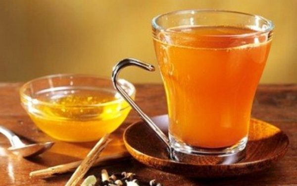 Пийте щоранку теплу воду з куркумою і забудите про погане самопочуття та цілий ряд недуг