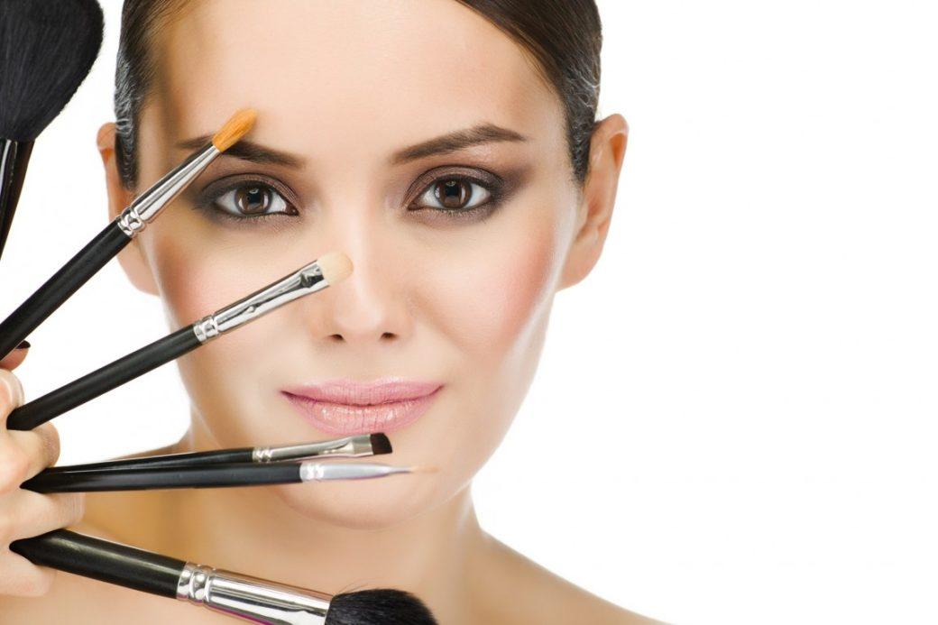 10 косметичних засобів, на які ми даремно витрачаємо гроші